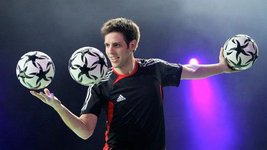 Die Fußballartisten mit Fußballartist Sebastian Heller