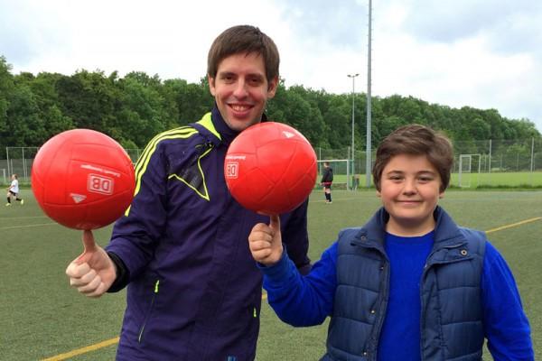Fußball Freestyle Workshop mit Profi Fußballakrobat Sebastian Heller