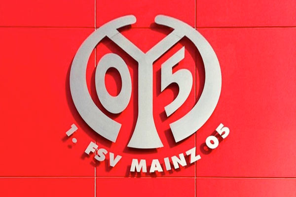 Fußball-Freestyler bei VIP-Saisonauftakt in Mainz