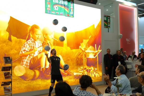 EM Messe-Party mit Fußball-Jongleur Sebastian Heller
