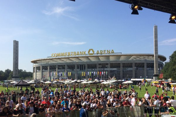 Die Fussballartisten bei der Saisoneröffnungsfeier der Eintracht Frankfurt