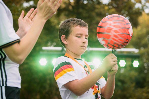 Fußballtricks beim MondLichtFest 2016 im Freiluftkino Friedrichshain Berlin